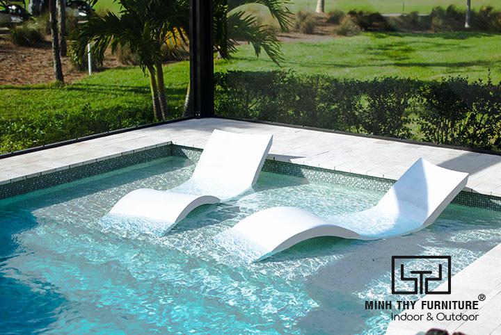 Ghế nằm hồ bơi composite